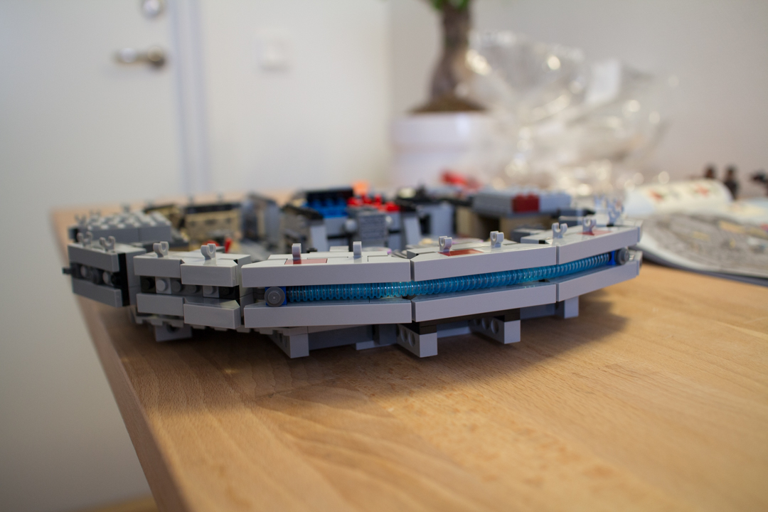 Millenium Falcon (10 Of 25)