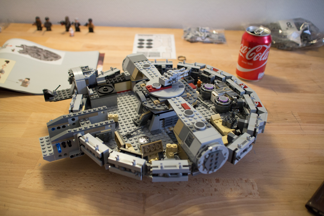 Millenium Falcon (12 Of 25)