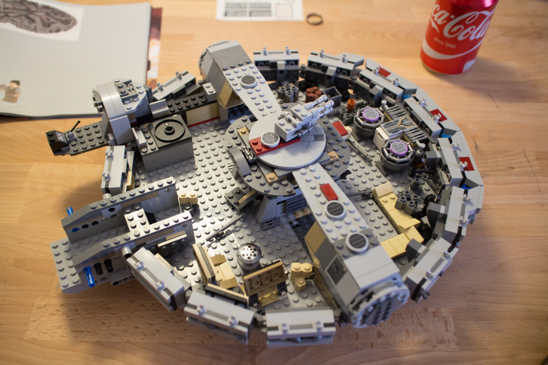 Millenium Falcon (13 Of 25)