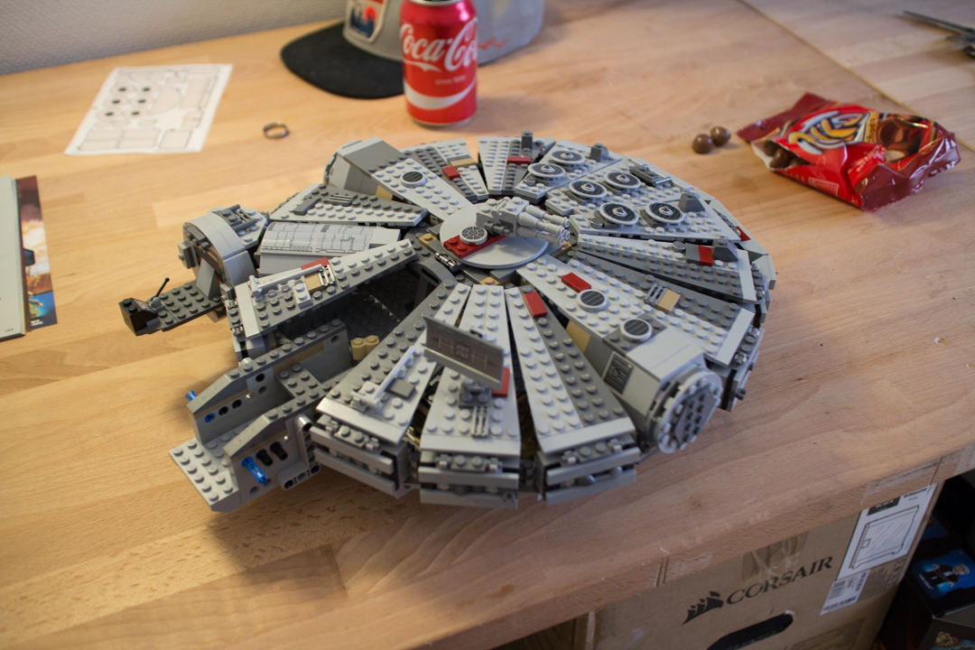 Millenium Falcon (14 Of 25)
