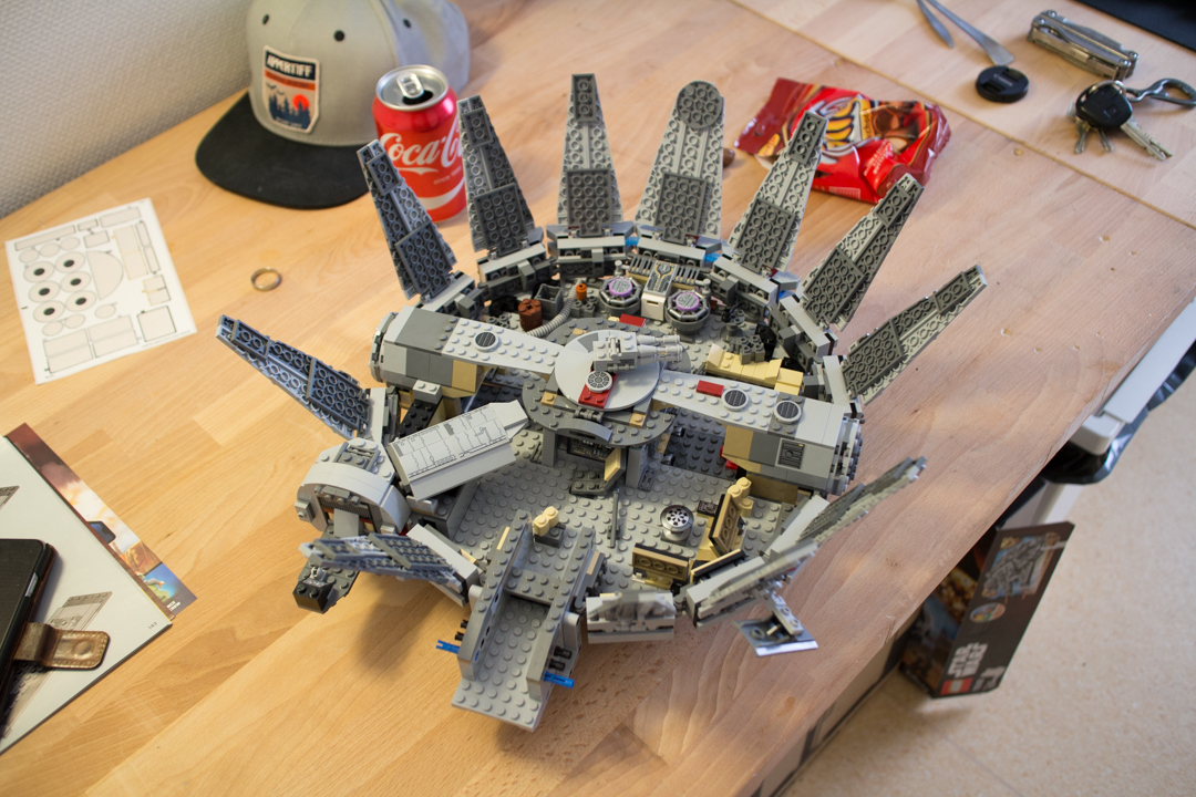 Millenium Falcon (15 Of 25)