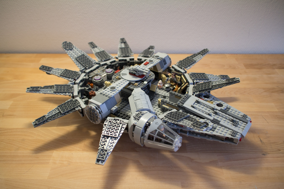 Millenium Falcon (16 Of 25)