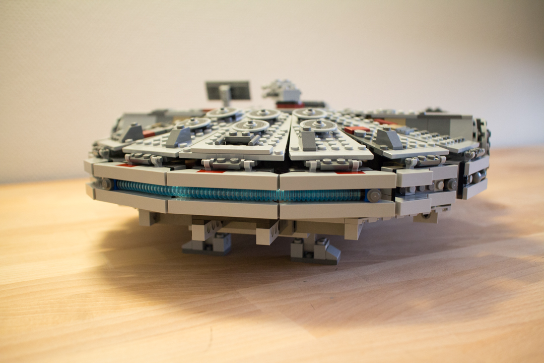 Millenium Falcon (23 Of 25)