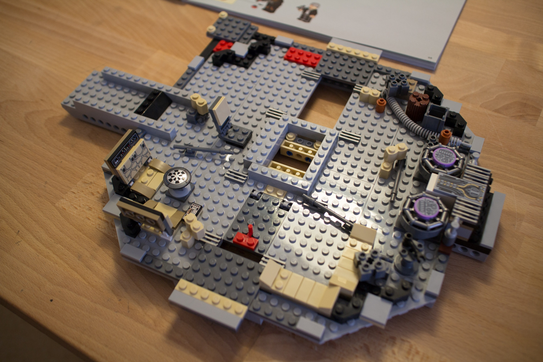 Millenium Falcon (4 Of 25)