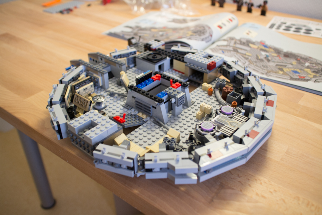 Millenium Falcon (9 Of 25)