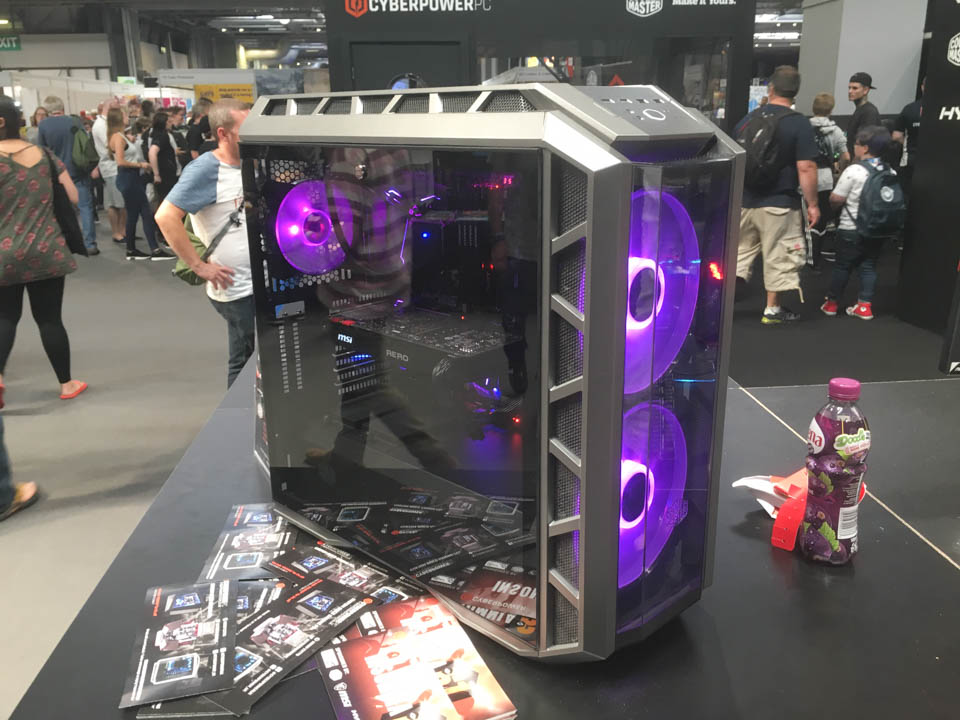 Mods at Insomnia 61 | Minimalistic PC's